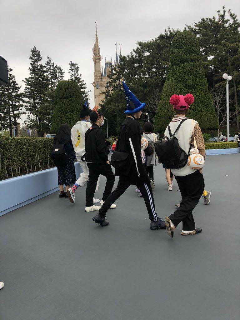 【ジャニーズ私服】森田美勇人がディズニーランドで着ていたバナナ服が『トーキョーナンセンス』だと判明!