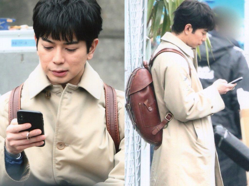 嵐・松本潤がiQOSを吸いながらiPhone Xを操作するプラベ感漂うオフショに萌えるファン続出!