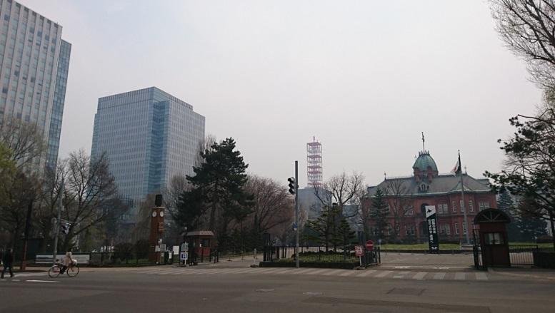 20180427霞む札幌