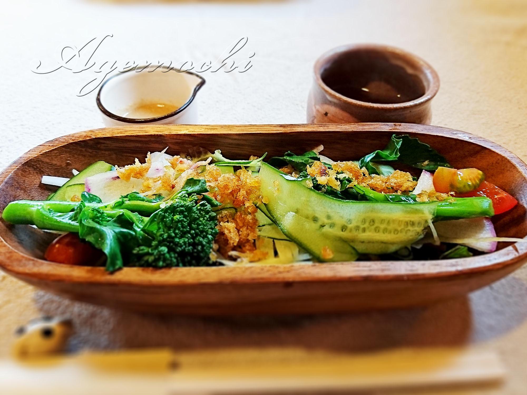 sachicafe4_salad.jpg