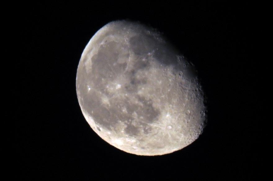5月の月 (2)