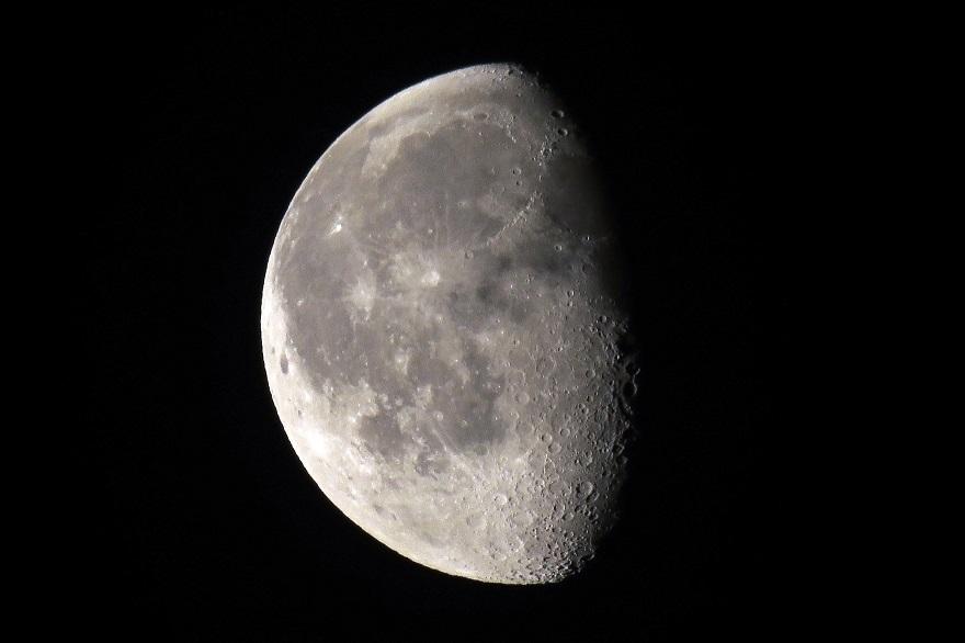 5月の月 (3)