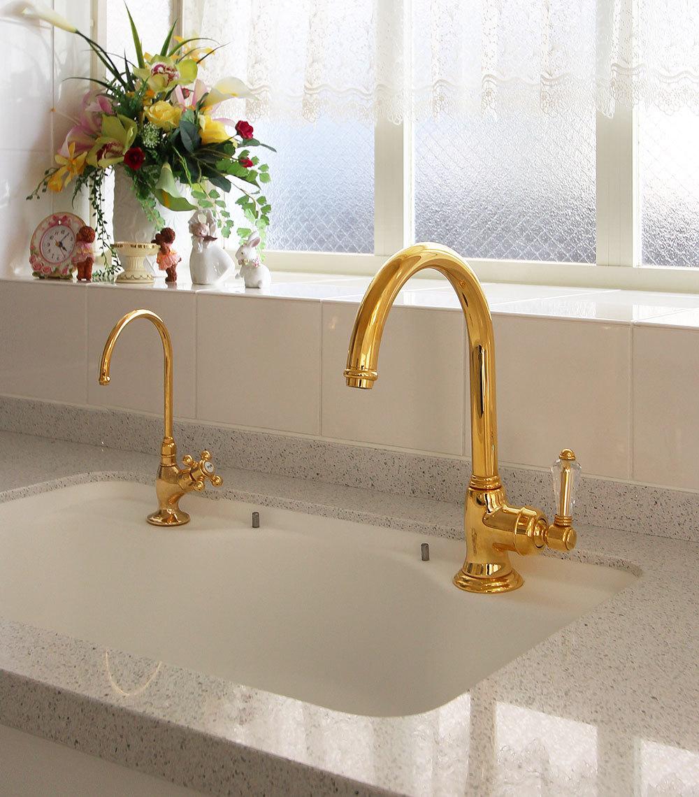 ゴールドの水栓 スワロフスキー