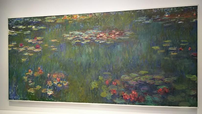 国立新美術館 (睡蓮の池)