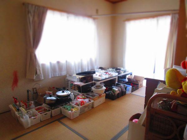 リフォーム前の断捨離 片付け 2階和室 食器棚とシンク (3)