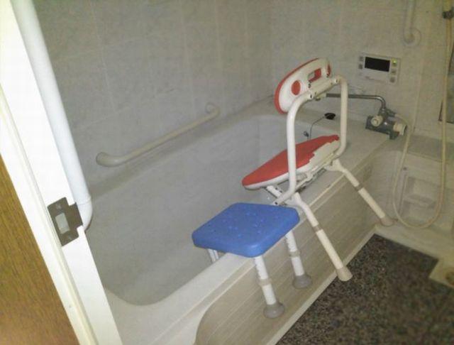 浴室画像 風呂椅子