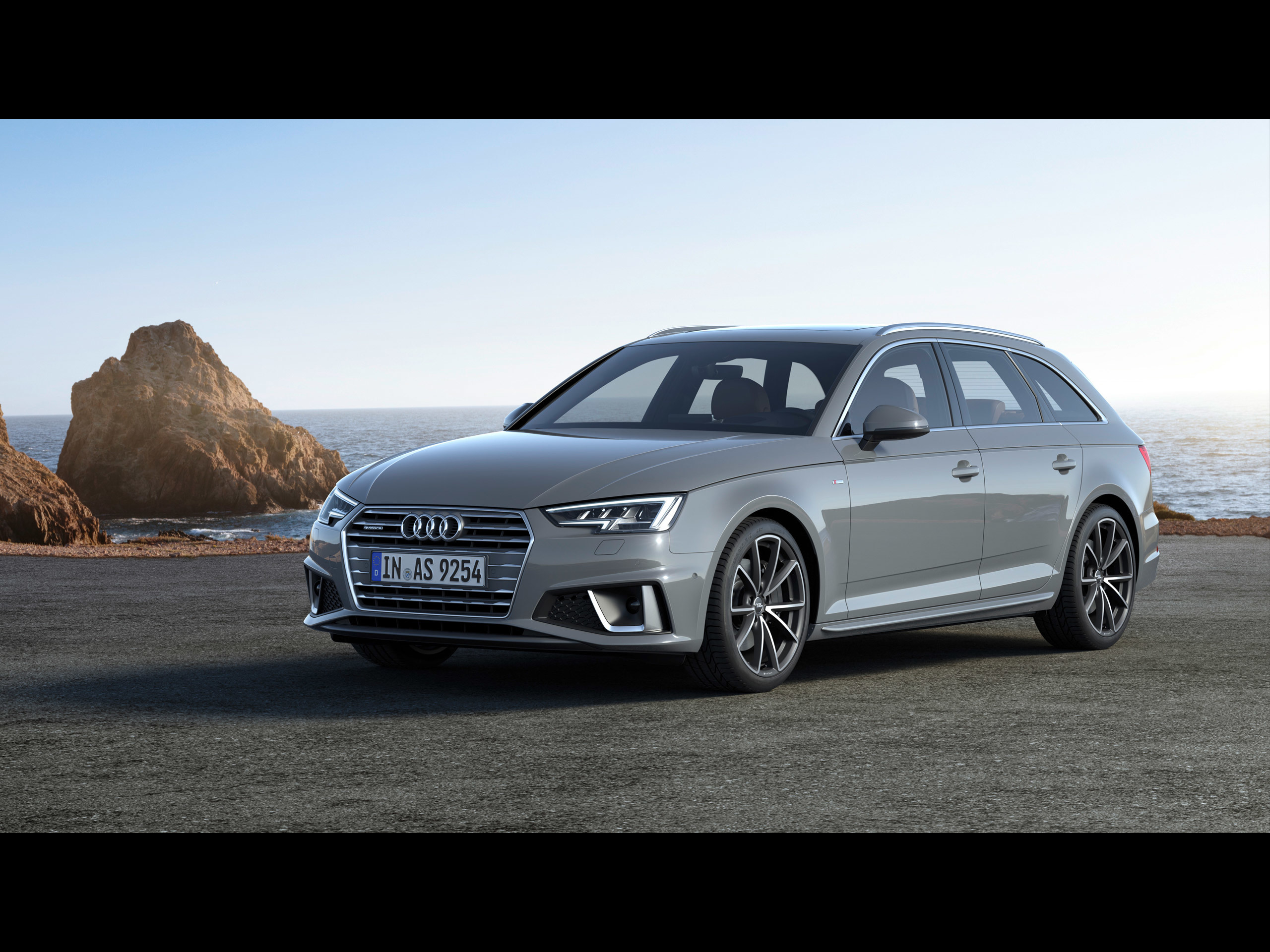 Audi A4 Avant 2019 アウディに嵌まる 壁紙画像ブログ