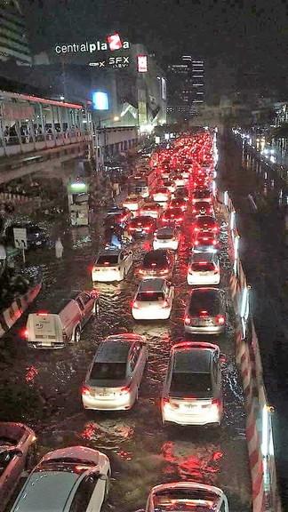 Summer storm when back Thailand (3)