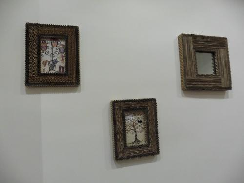 F壁にはアート作品
