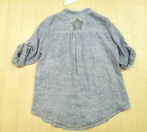 ブルーリネン刺繍入りシャツ6