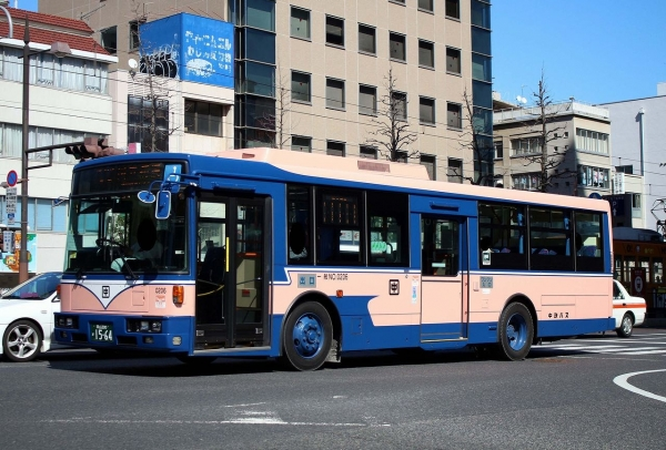 岡山200か1564 0206