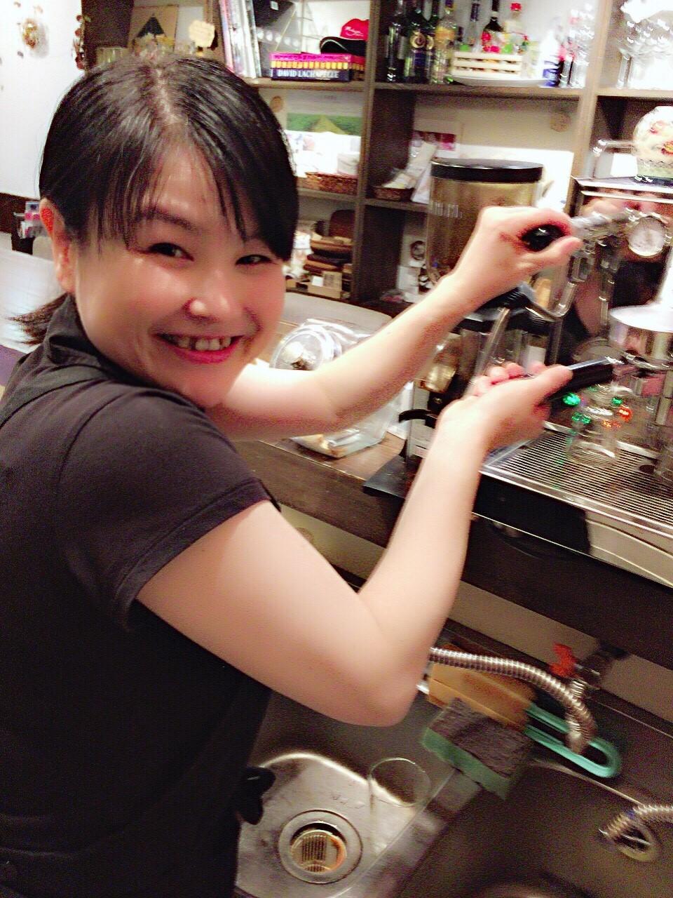 週末cafe店長 ともちゃん