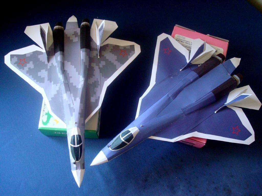 Su-57_Ver101and102.jpg