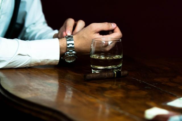男性とお酒