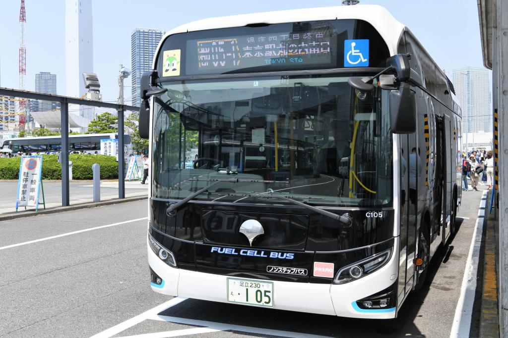 燃料電池バス 1