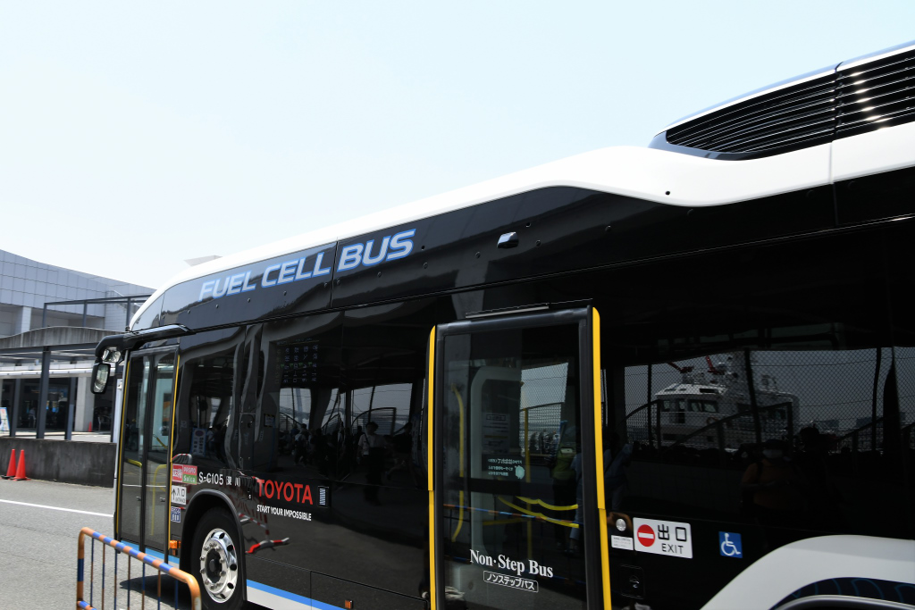 燃料電池バス 2