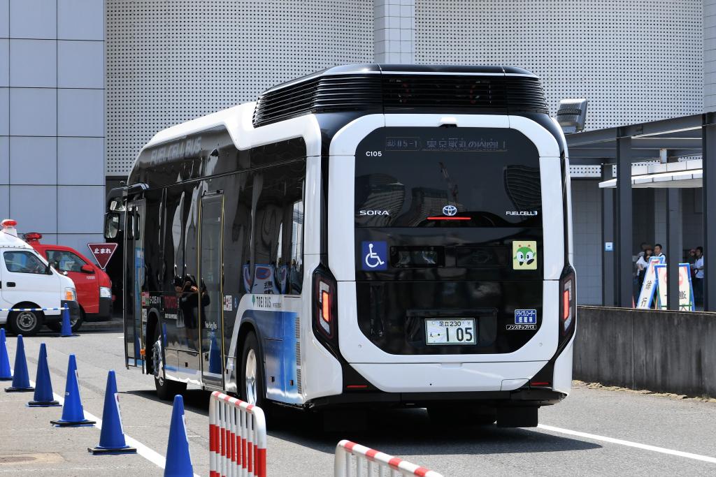 燃料電池バス 3