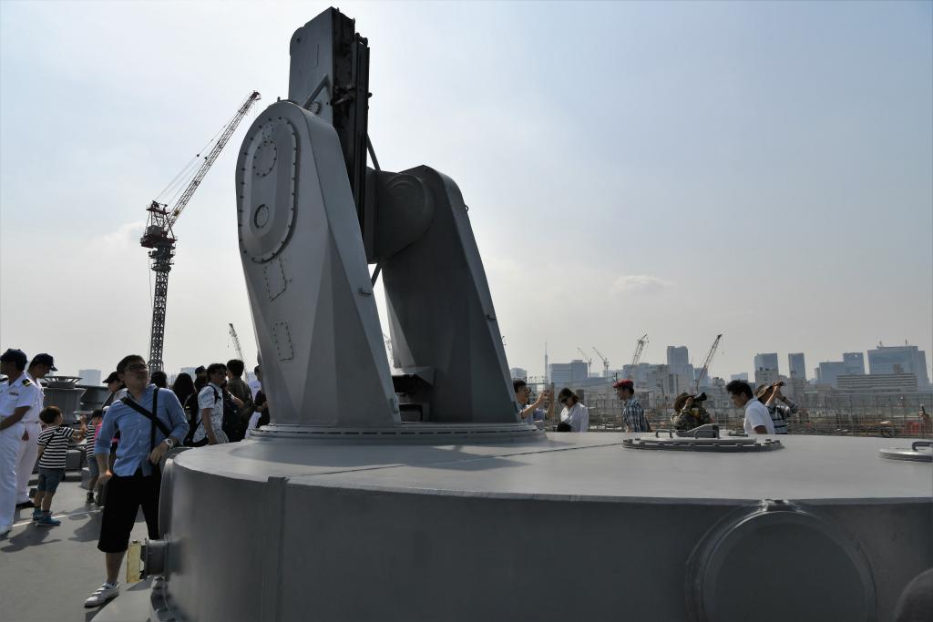 バウ ミサイル発射装置