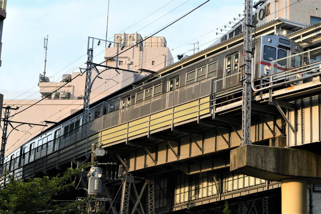 東急7700系 発車 1