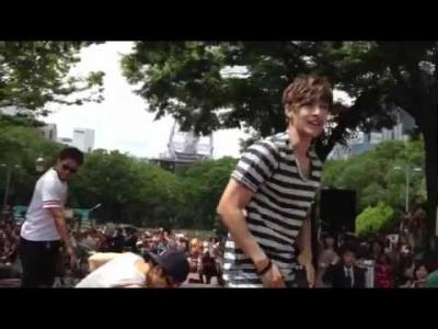 【芸能人サプライズ(海外)】キム・ヒョンジュン(リダ)のゲリラライブで大興奮!