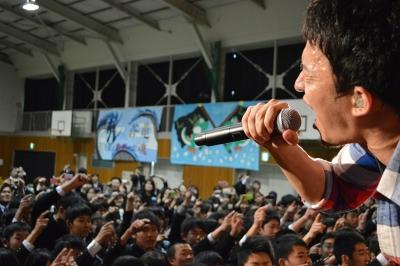 【芸能人サプライズ】ファンキー加藤が卒業式でサプライズ!