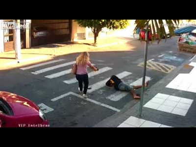 【衝撃!】幼稚園児のママは警察官・・・カッコイイ!