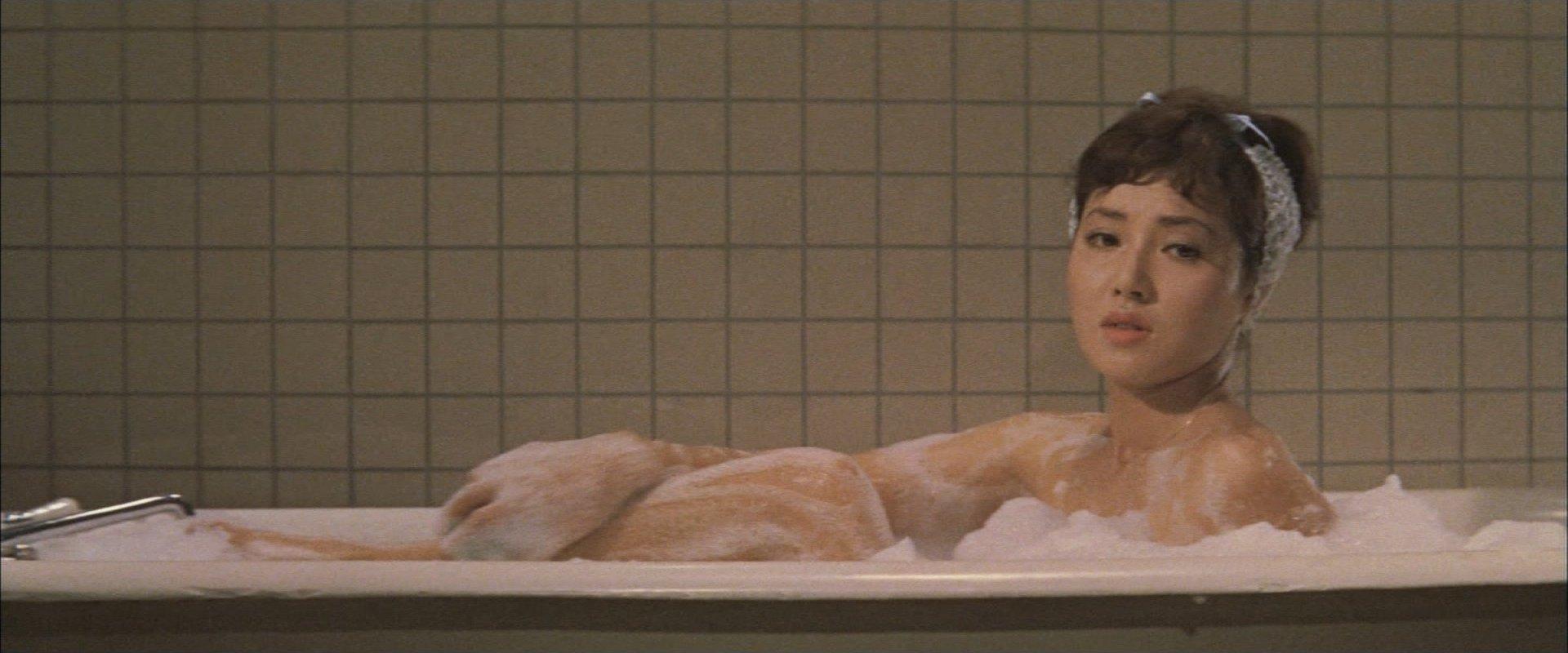 『妖星ゴラス』水野久美さん(入浴)