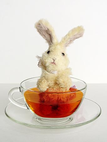 紅茶が入ったように画像加工しています。