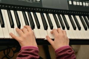 play-piano-1925454_960_720.jpg