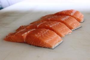 salmon-2562906_960_720.jpg