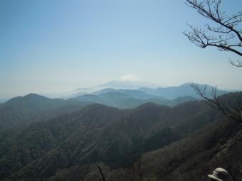 加入道山への道途中180421