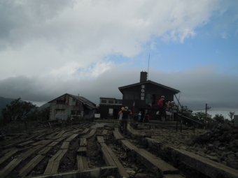 塔の岳尊仏山荘180519