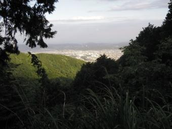 景色を見ながらの下山180519