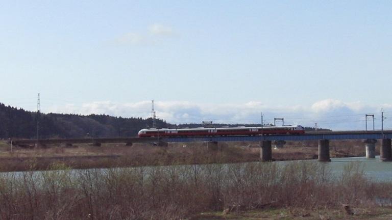 鉄橋の列車