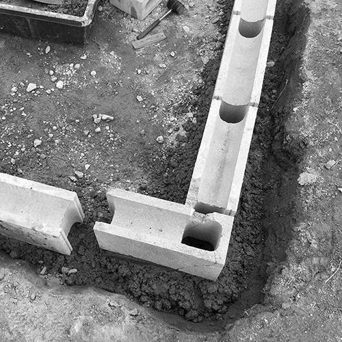 一人で作るブロック小屋① ~小屋の基礎をつくる~⑫