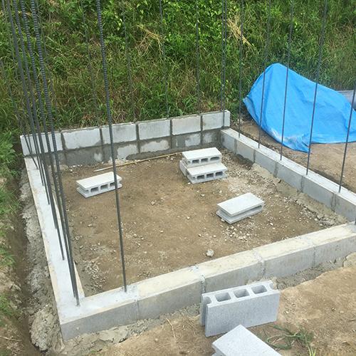 一人で作るブロック小屋② ~鉄筋位置の修正~①