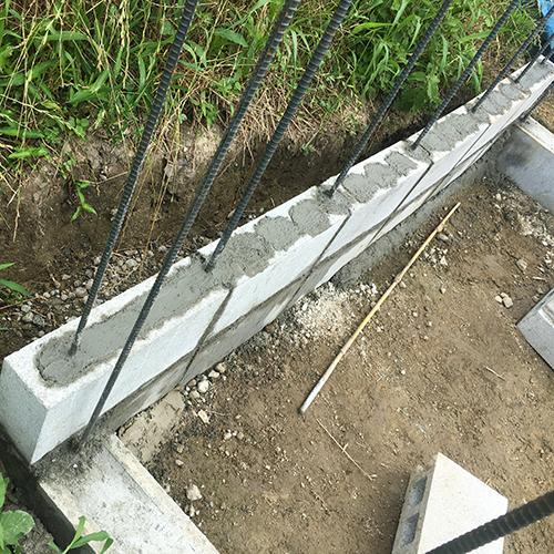 一人で作るブロック小屋② ~鉄筋位置の修正~②