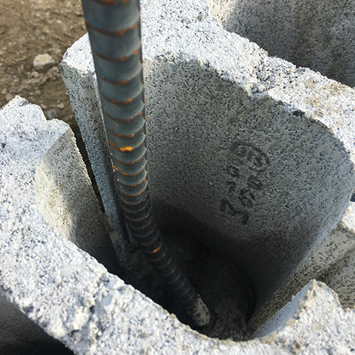一人で作るブロック小屋② ~鉄筋位置の補正~⑩