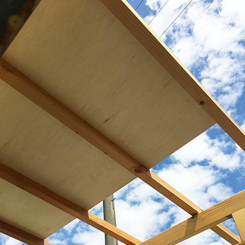 一人で作るブロック小屋⑥ ~屋根の板張り~②