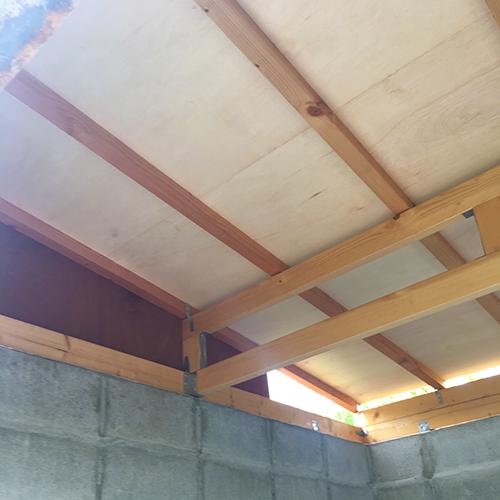 一人で作るブロック小屋⑥ ~屋根の板張り~④