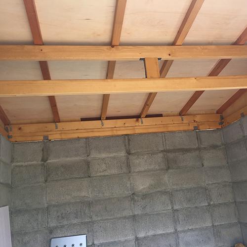一人で作るブロック小屋⑥ ~屋根の板張り~⑥
