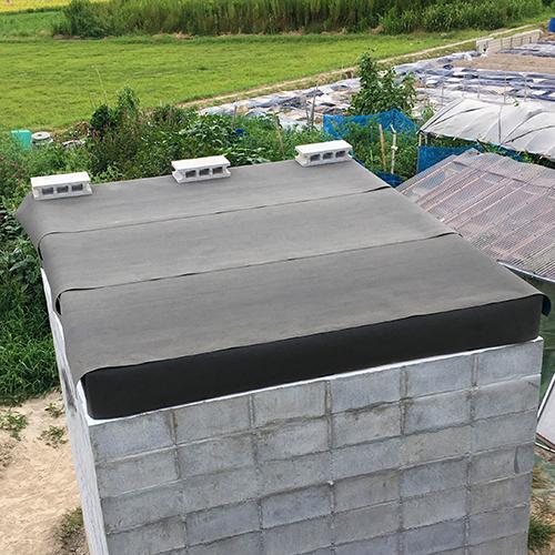 一人で作るブロック小屋⑦ ~屋根の防水~②