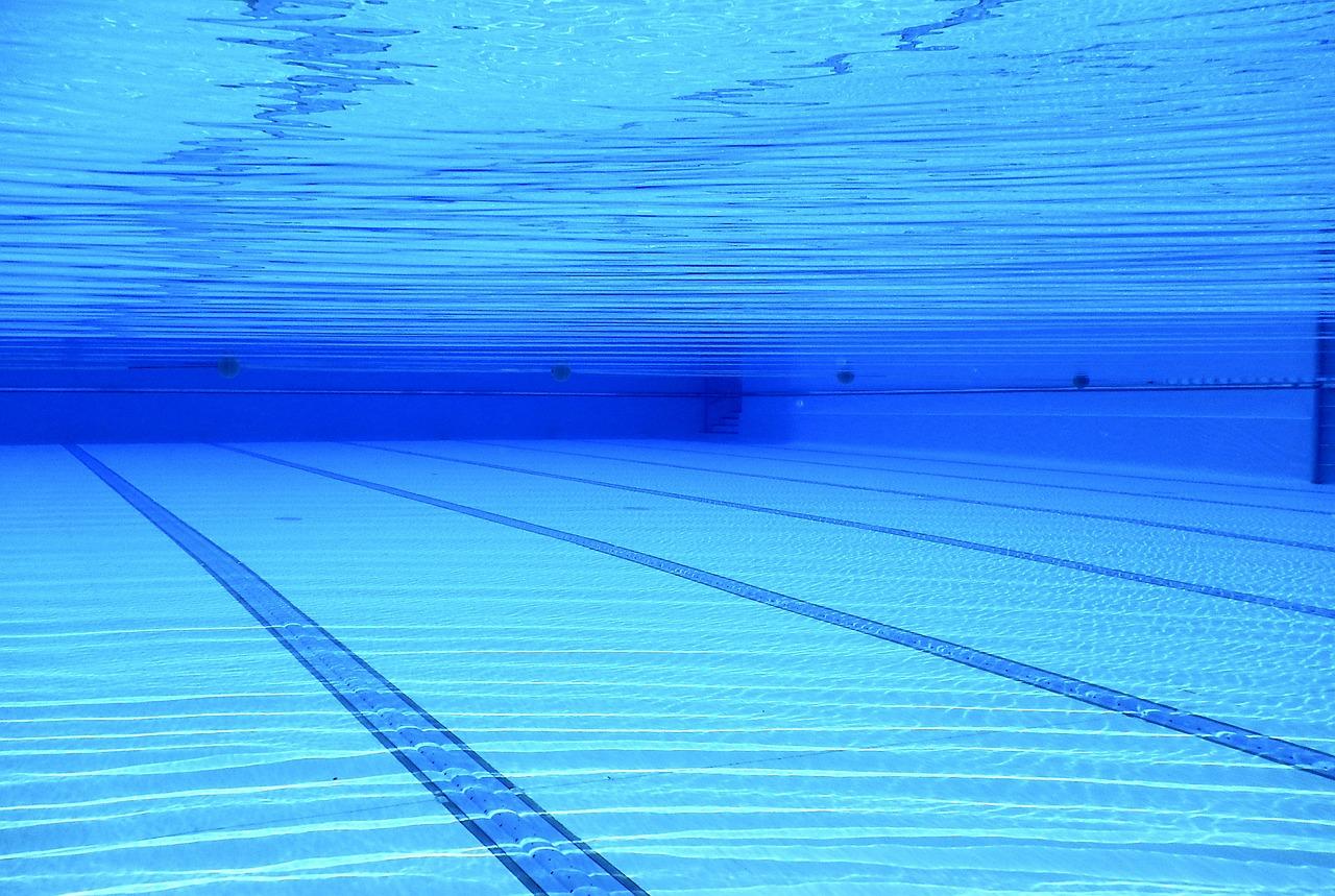 swimming-pool-504780_1280.jpg