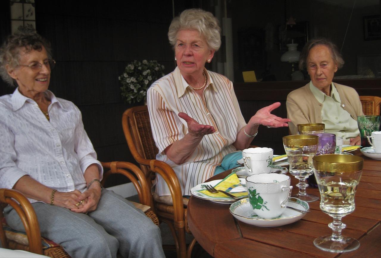 tea-party-1335722_1280.jpg