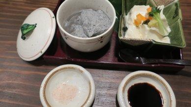 三河屋さんのざる豆腐・ごま豆腐@540円