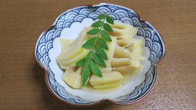 竹の子煮と山椒の芽