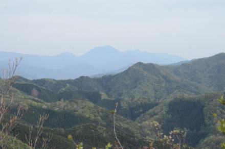 鳴神山頂上からの展望1