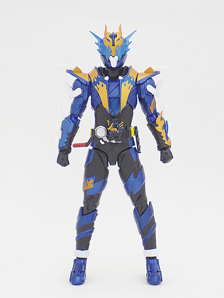 SHF 仮面ライダークローズ1