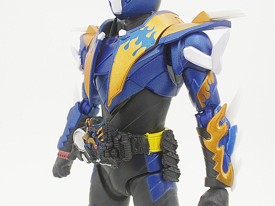 SHF 仮面ライダークローズ15