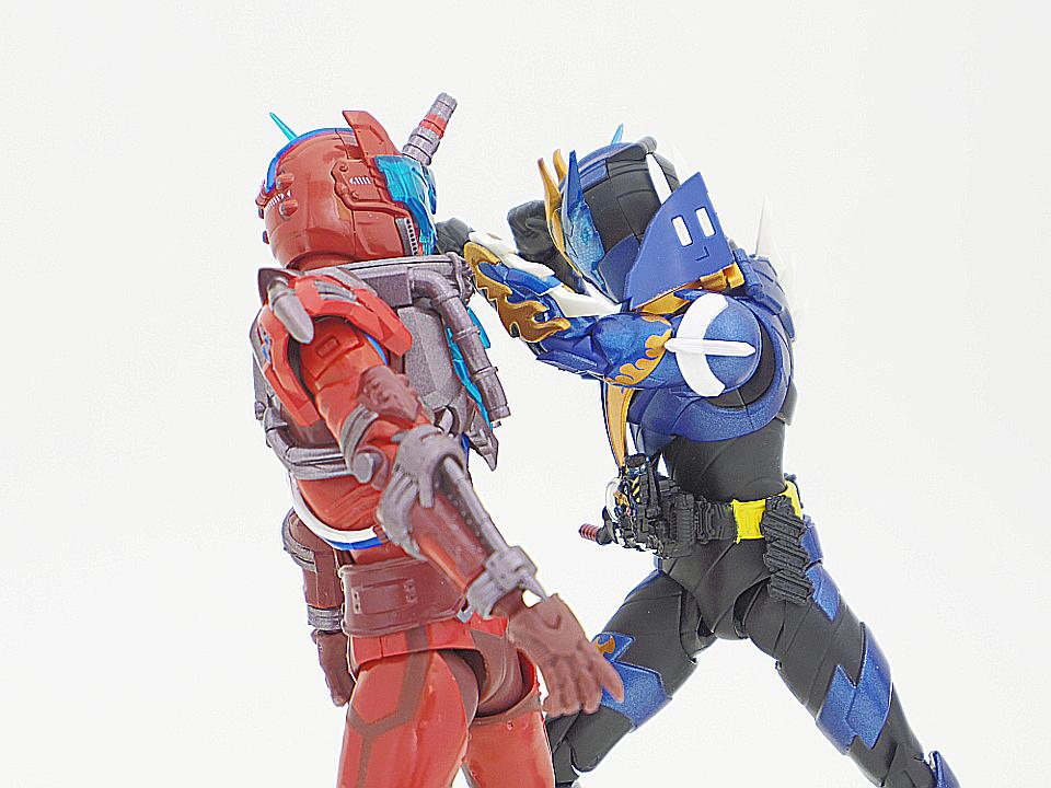 SHF 仮面ライダークローズ48